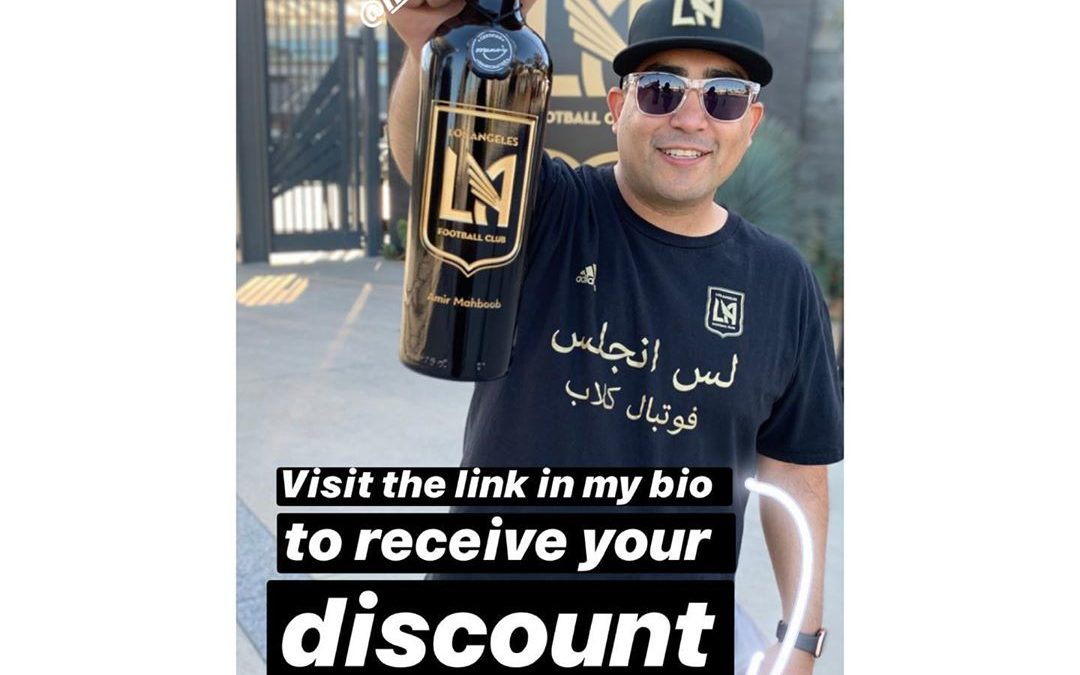I've thrown too many cups of beer in the air this year! Time to switch it up to Wine! Only for consumption then I'll let my wine bottle do its thang, sit on my shelf and look pretty  LINK IN MY BIO TO GET YOUR DISCOUNT on ALL LAFC wine bottles! . . . . .