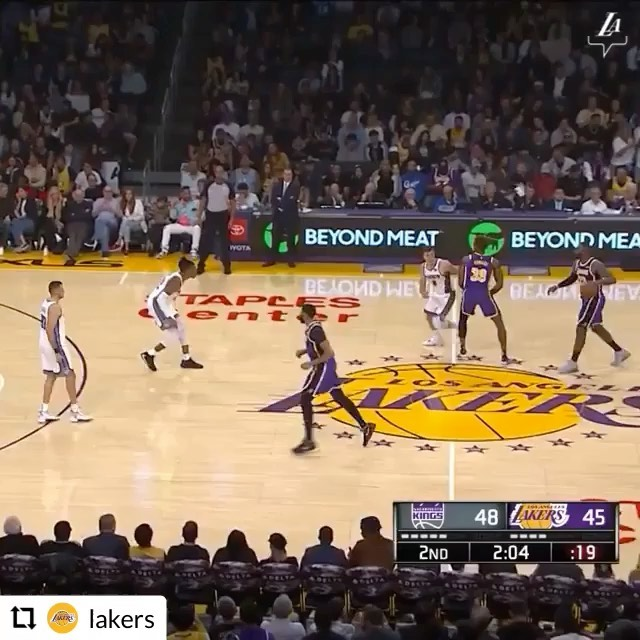 Holy 🤯 Moly 🤯Dunk of the Year🤯 …it makes me Happy when the Lakers are Happy . . . . .