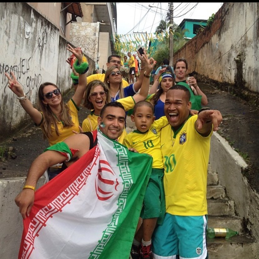 Every THURSDAY, I'll throw one Photo with a story because what else am I supposed to do with these old gems ! Ok here we go!  The Year was 2014 and I had to had to hit up Brazil for the ! The best part of the World Cup are not only games but the amazing like minded individuals you will meet that are from ALL over the world!  I was chillin on these steps waiting for my dad to catch up! I was so excited! We were headed to watch Iran va Bosnia-Herzegovina, It sucks when the taxi drop off is so far from the stadium lol....While waiting I had a great chat with these random , I never saw them ever again but I remember the whole convo! I wonder what they are up to right now lol! Some people you can keep in touch with but those small moments you will never forget are dope AF! . . . . .