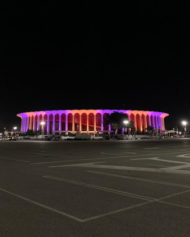 Day 6 with you...I came here a few nights ago n there were no lights I was so sad and ranted for an hour how it should be on! the next night they lit it up Purple and Gold so I had to rush over to see it once I heard....in 1998 you played in THE Forum in Inglewood against Michael Jordan's Bulls, his last wearing a Bulls uniform...today marks 22 years!!! It was on this day that I realized, Young Kobe is the True heir to the Throne! . . . . .