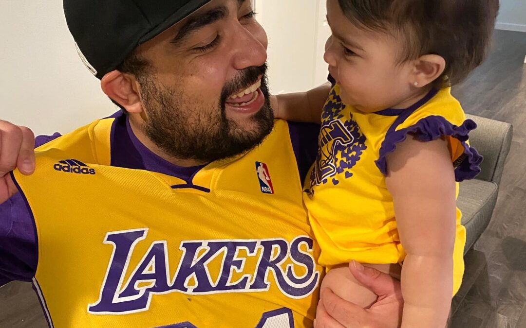 I said to Mila, Lakers in 5! Let's go Lakers! Let's get this W tonight ⁣ .⁣ .⁣ .⁣ .⁣ .⁣
